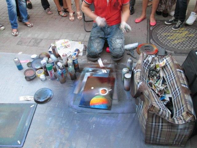 Картина, сделанная балончиками и подручными средствами
