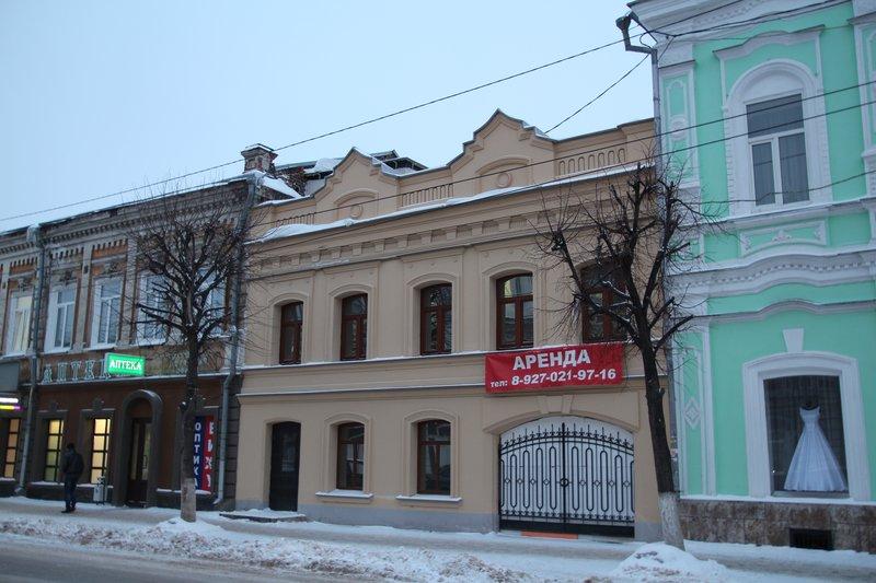 В центре города много отреставрированных зданий