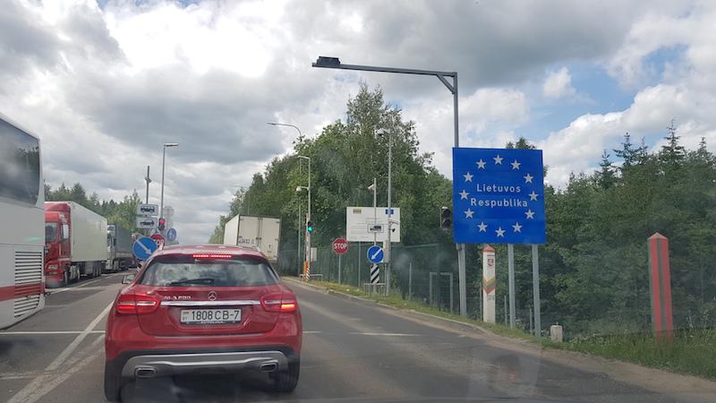 Потом мы полтора часа простояли на въезде на Литовскую часть границы и дальше началось веселье!